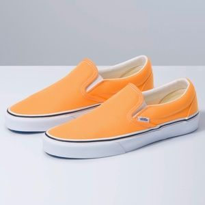 [ nib ] Vans Classic Slip-On Sneakers